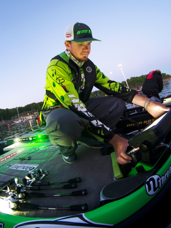 Getting his gear ready to roll on Bull Shoals. Photo by Joel Shangle.
