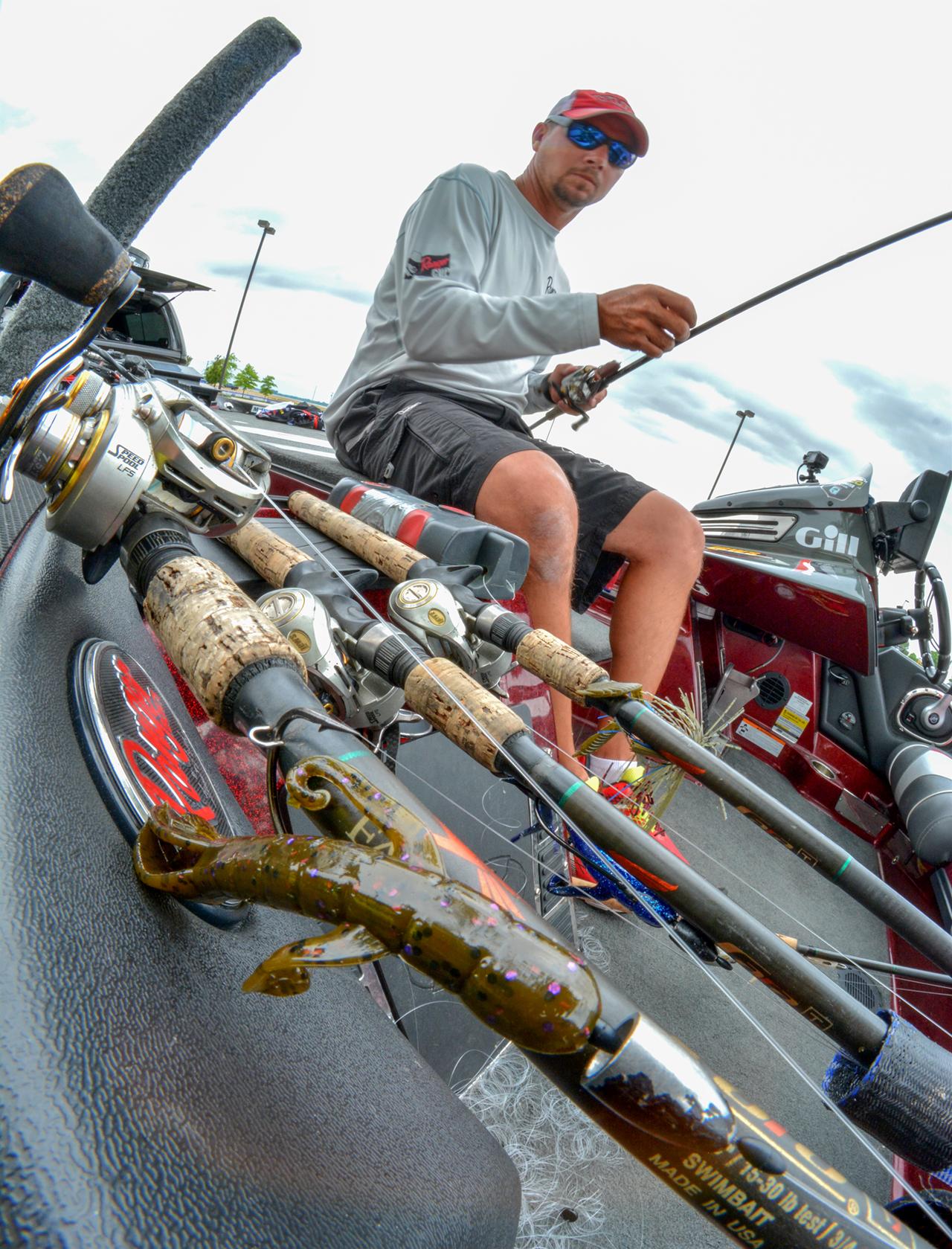 Jason christie tying yum gear before wheeler lake bass for Jason christie fishing