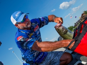 Jeff Kriet throws down a Texoma smallie. Photo by Joel Shangle.