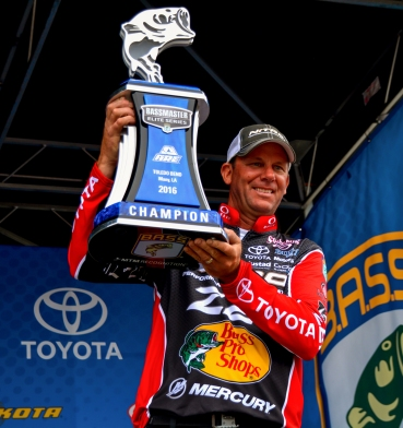 Kevin VanDam the man to beat at Niagara